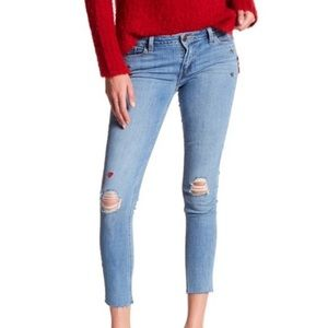 NEW Levi's 535 Supper Skinny distress Embroidered